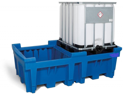 Plastic tray under the IBC container